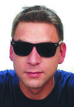 Brille: schwarze Sonnebrille - 1