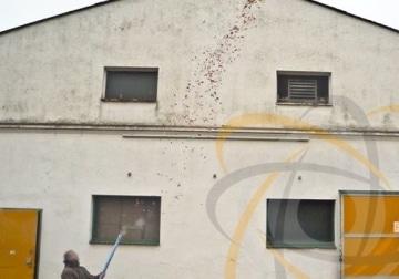 deelite Herz Confettishooter / Konfettikanonen 60cm mit roten Herzen - 3
