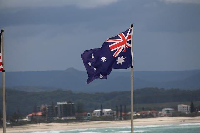 Die Flagge kann im Kleinformat als Girlande, Papierfähnchen u.ä. gut als Dekorationsmaterials auf Partys verwendet werden