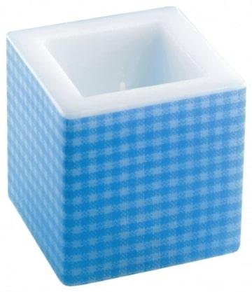 Kerze: Würfelkerze, blaues Vichy-Muster, 8 x 8 x 8 cm - 1
