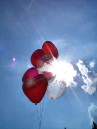 Luftballons: 100 rote Herzballons, 80 cm Umfang - 3